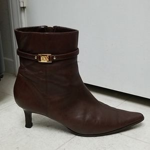 ANNE KLEIN leather ankle boots classy pointy toes